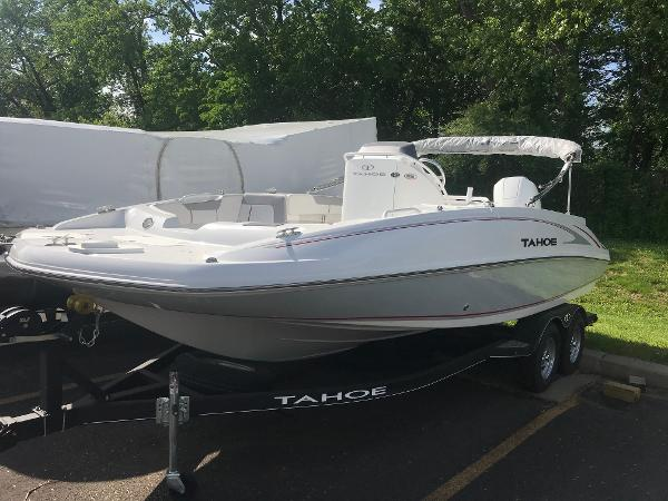 2020 Tahoe boat for sale, model of the boat is 2150 CC & Image # 19 of 91