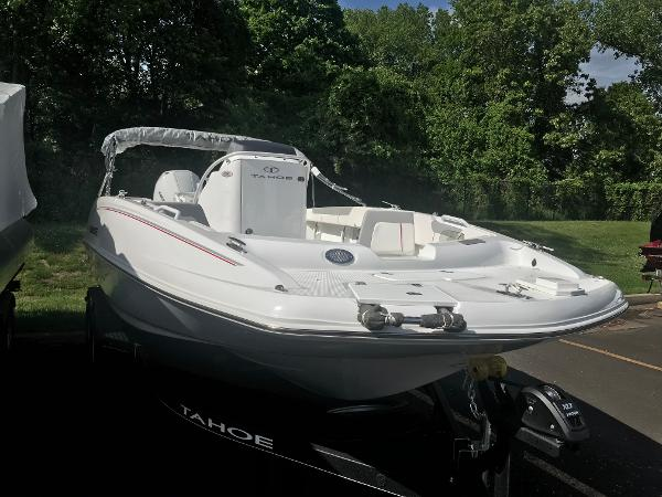 2020 Tahoe boat for sale, model of the boat is 2150 CC & Image # 17 of 91