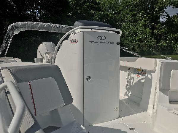 2020 Tahoe boat for sale, model of the boat is 2150 CC & Image # 10 of 91