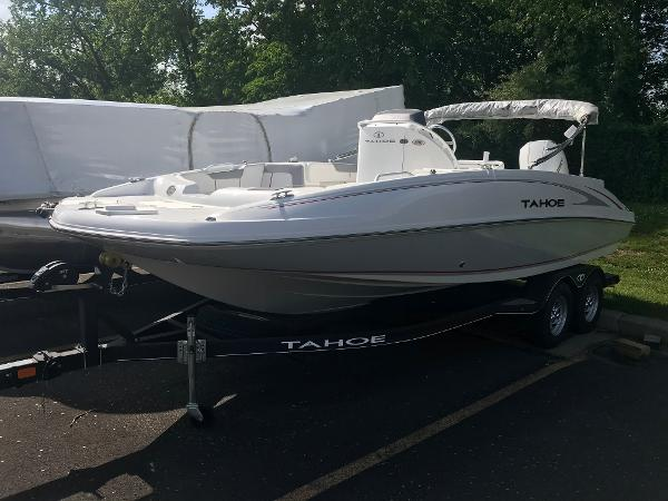 2020 Tahoe boat for sale, model of the boat is 2150 CC & Image # 22 of 91