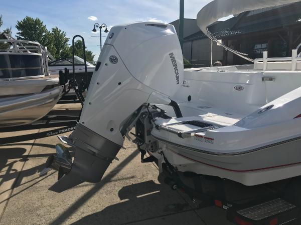 2020 Tahoe boat for sale, model of the boat is 2150 CC & Image # 6 of 91