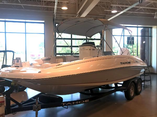 2020 Tahoe boat for sale, model of the boat is 2150 CC & Image # 4 of 91