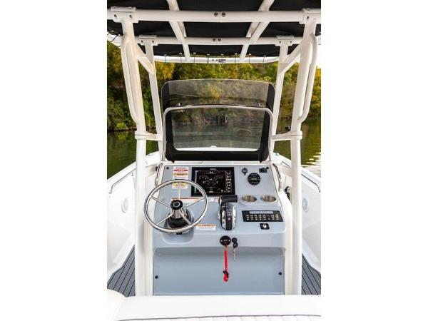 2020 Bayliner boat for sale, model of the boat is T22CX & Image # 8 of 46