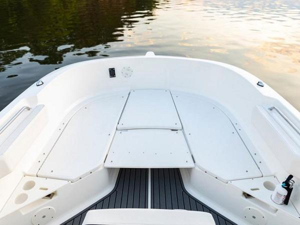 2020 Bayliner boat for sale, model of the boat is T22CX & Image # 25 of 46