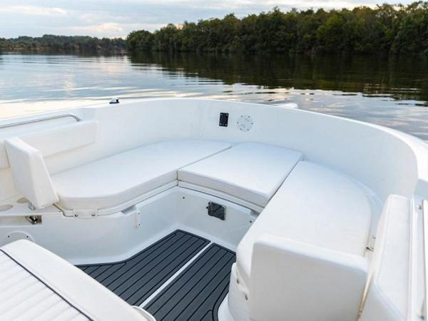 2020 Bayliner boat for sale, model of the boat is T22CX & Image # 30 of 46