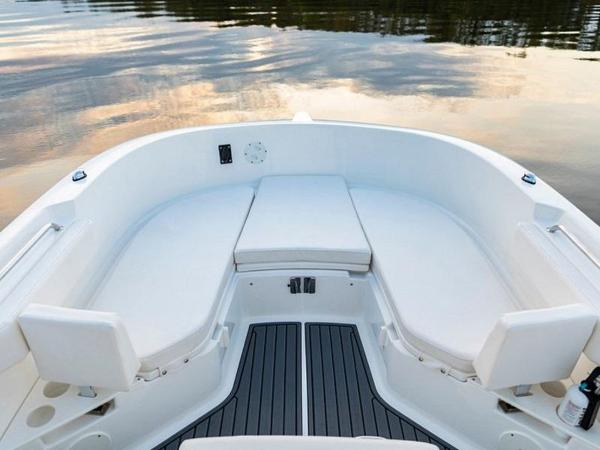 2020 Bayliner boat for sale, model of the boat is T22CX & Image # 41 of 46