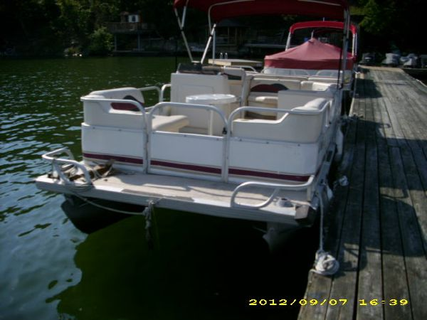 Used pontoon boats for sale in illinois lookup beforebuying for Used fishing pontoon boats for sale