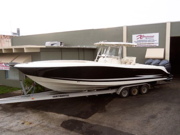 2007 Hydra-Sports 3300 CC Location: Dade County US. $135000.00