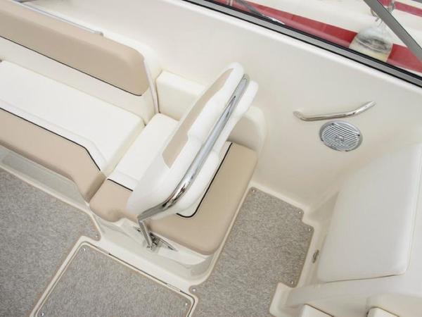 2020 Bayliner boat for sale, model of the boat is 742R & Image # 11 of 23