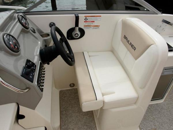 2020 Bayliner boat for sale, model of the boat is 742R & Image # 12 of 23