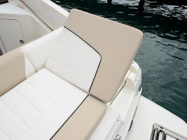 2020 Bayliner boat for sale, model of the boat is 742R & Image # 16 of 23