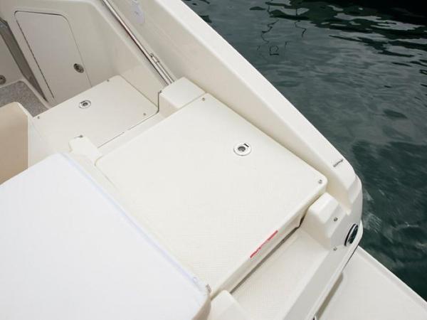 2020 Bayliner boat for sale, model of the boat is 742R & Image # 18 of 23