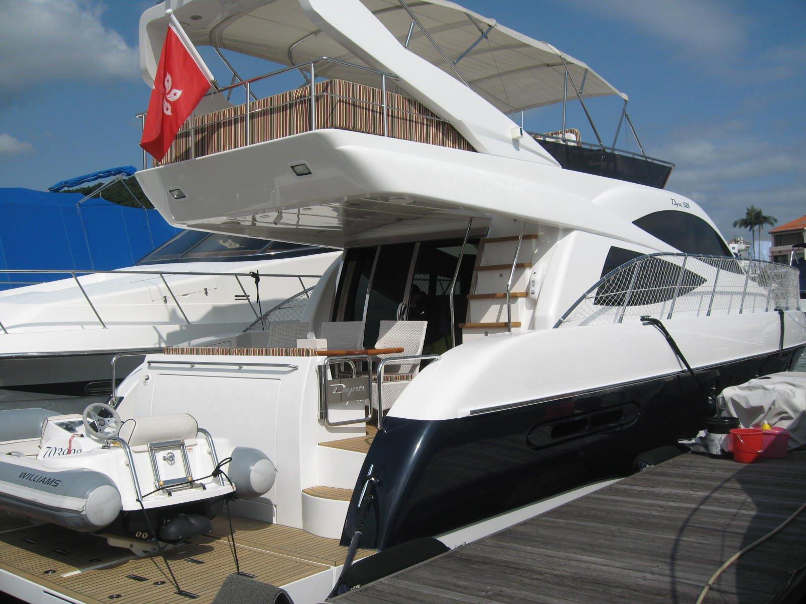 52S flybridge-2