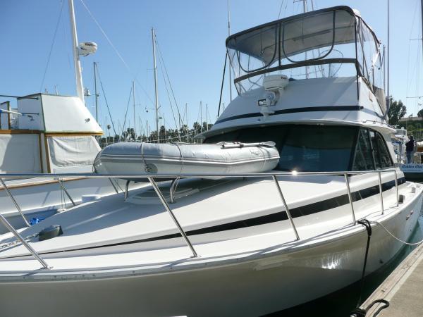 Bertram Sportfisher Sports Fishing Boats. Listing Number: M-3604045