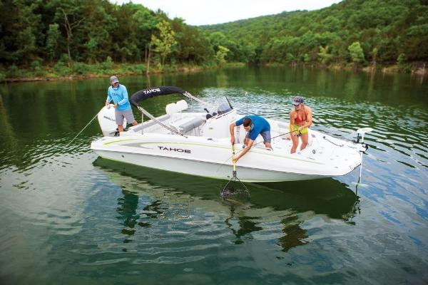 2020 Tahoe boat for sale, model of the boat is 2150 CC & Image # 12 of 91