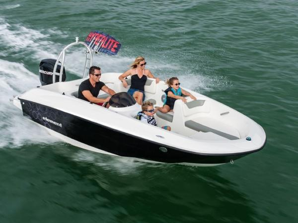 2020 Bayliner boat for sale, model of the boat is ELEMENT E5 & Image # 2 of 41