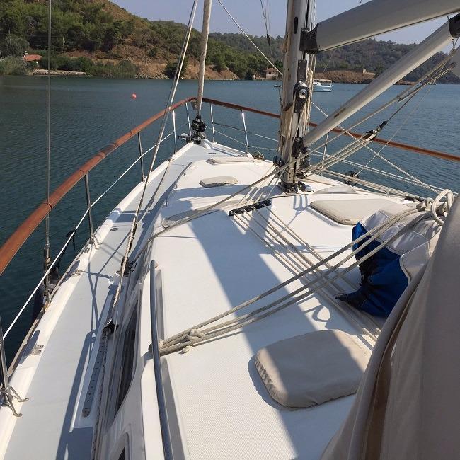 Hunter 44 boat for sale