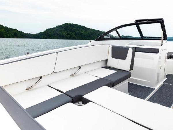 2020 Bayliner boat for sale, model of the boat is VR4 BOWRIDER & Image # 2 of 96