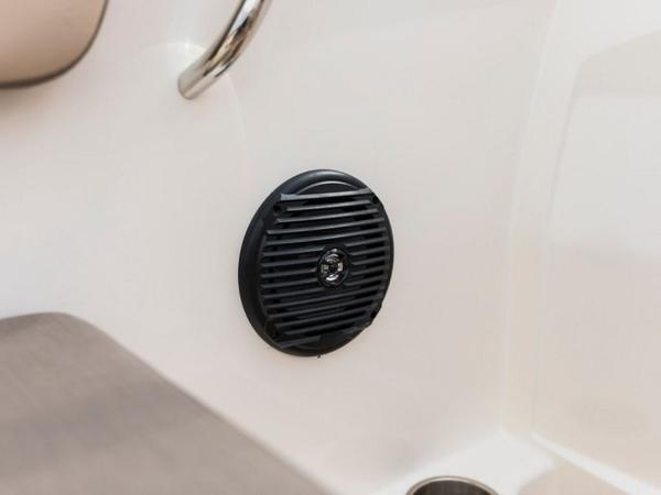 2020 Bayliner boat for sale, model of the boat is VR4 BOWRIDER & Image # 3 of 96