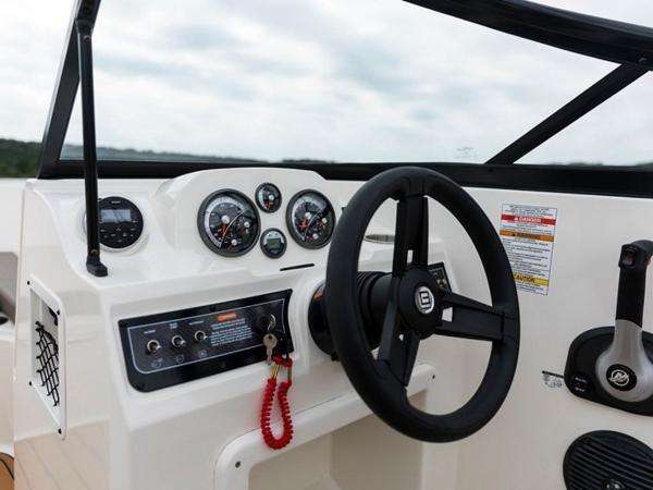 2020 Bayliner boat for sale, model of the boat is VR4 BOWRIDER & Image # 6 of 96