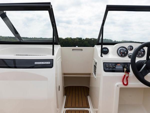 2020 Bayliner boat for sale, model of the boat is VR4 BOWRIDER & Image # 8 of 96