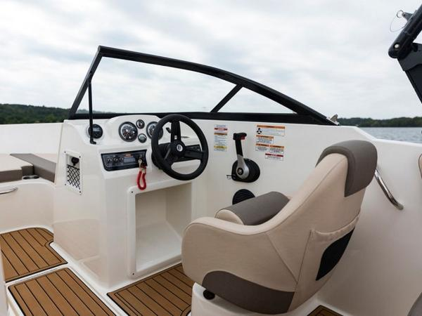2020 Bayliner boat for sale, model of the boat is VR4 BOWRIDER & Image # 9 of 96