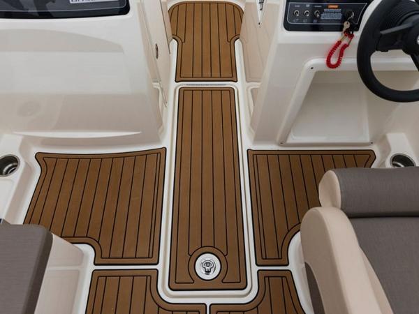 2020 Bayliner boat for sale, model of the boat is VR4 BOWRIDER & Image # 10 of 96