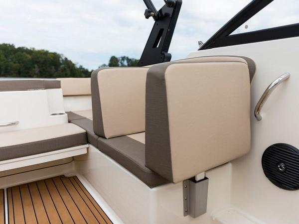 2020 Bayliner boat for sale, model of the boat is VR4 BOWRIDER & Image # 11 of 96