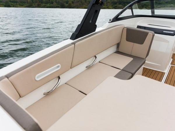 2020 Bayliner boat for sale, model of the boat is VR4 BOWRIDER & Image # 13 of 96