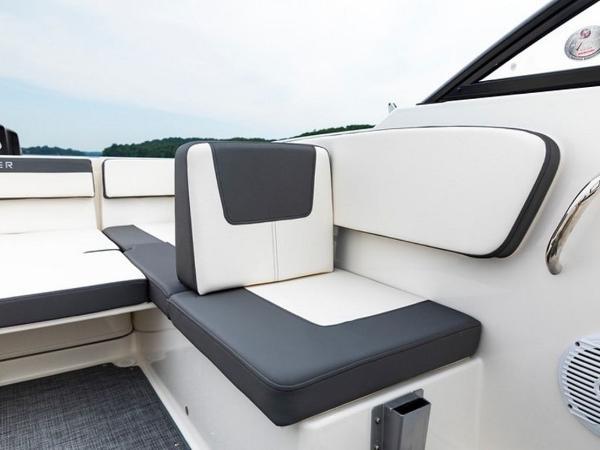 2020 Bayliner boat for sale, model of the boat is VR4 BOWRIDER & Image # 14 of 96