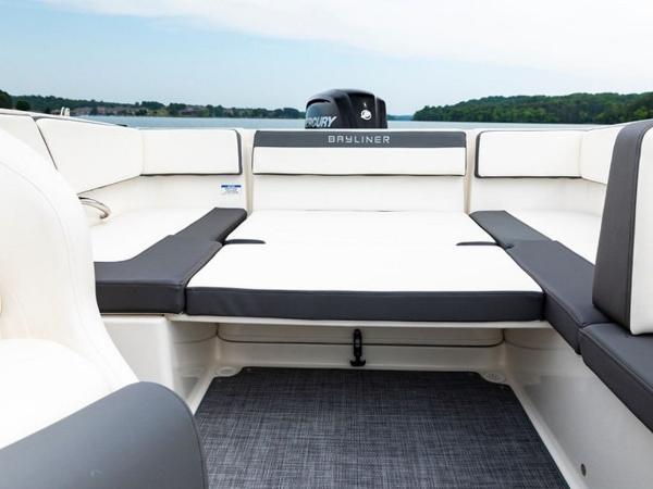 2020 Bayliner boat for sale, model of the boat is VR4 BOWRIDER & Image # 17 of 96