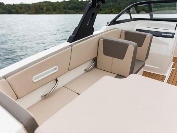 2020 Bayliner boat for sale, model of the boat is VR4 BOWRIDER & Image # 22 of 96