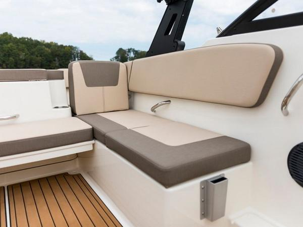 2020 Bayliner boat for sale, model of the boat is VR4 BOWRIDER & Image # 23 of 96