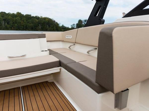 2020 Bayliner boat for sale, model of the boat is VR4 BOWRIDER & Image # 26 of 96