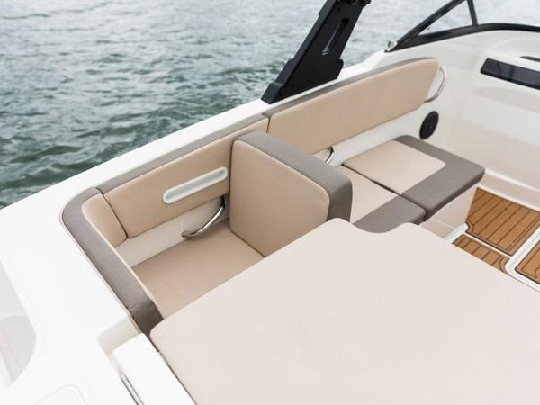 2020 Bayliner boat for sale, model of the boat is VR4 BOWRIDER & Image # 29 of 96