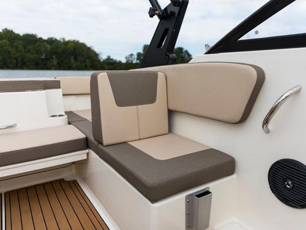 2020 Bayliner boat for sale, model of the boat is VR4 BOWRIDER & Image # 31 of 96