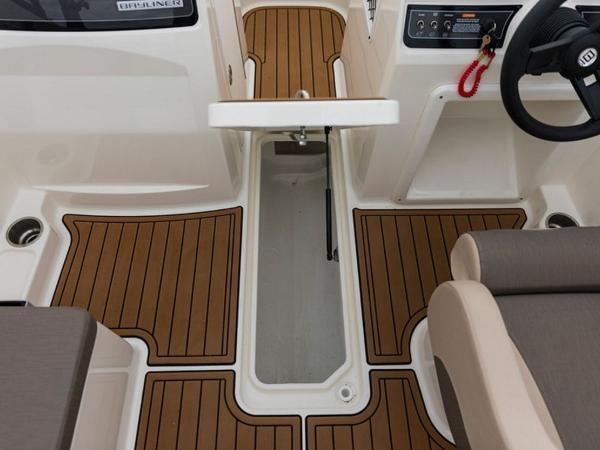 2020 Bayliner boat for sale, model of the boat is VR4 BOWRIDER & Image # 33 of 96