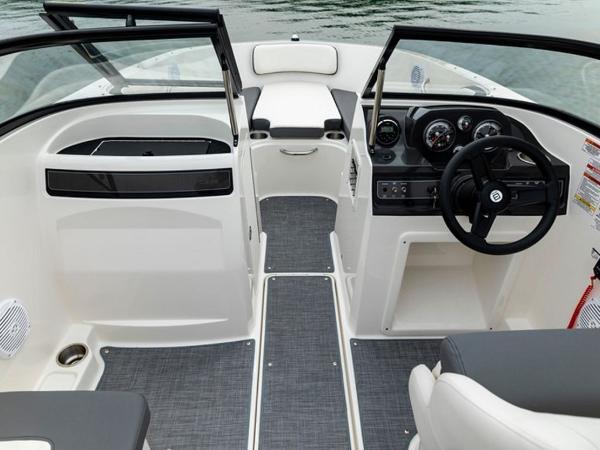 2020 Bayliner boat for sale, model of the boat is VR4 BOWRIDER & Image # 34 of 96