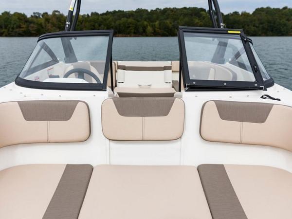 2020 Bayliner boat for sale, model of the boat is VR4 BOWRIDER & Image # 36 of 96