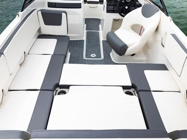 2020 Bayliner boat for sale, model of the boat is VR4 BOWRIDER & Image # 37 of 96