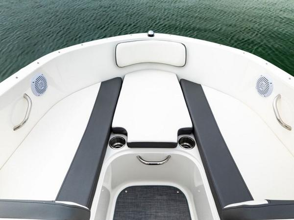 2020 Bayliner boat for sale, model of the boat is VR4 BOWRIDER & Image # 51 of 96