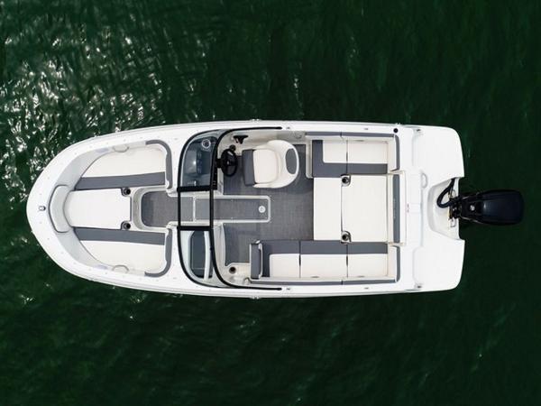 2020 Bayliner boat for sale, model of the boat is VR4 BOWRIDER & Image # 70 of 96