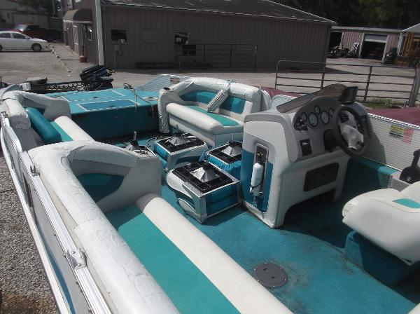1997 Princecraft boat for sale, model of the boat is VEN 2210B & Image # 10 of 14