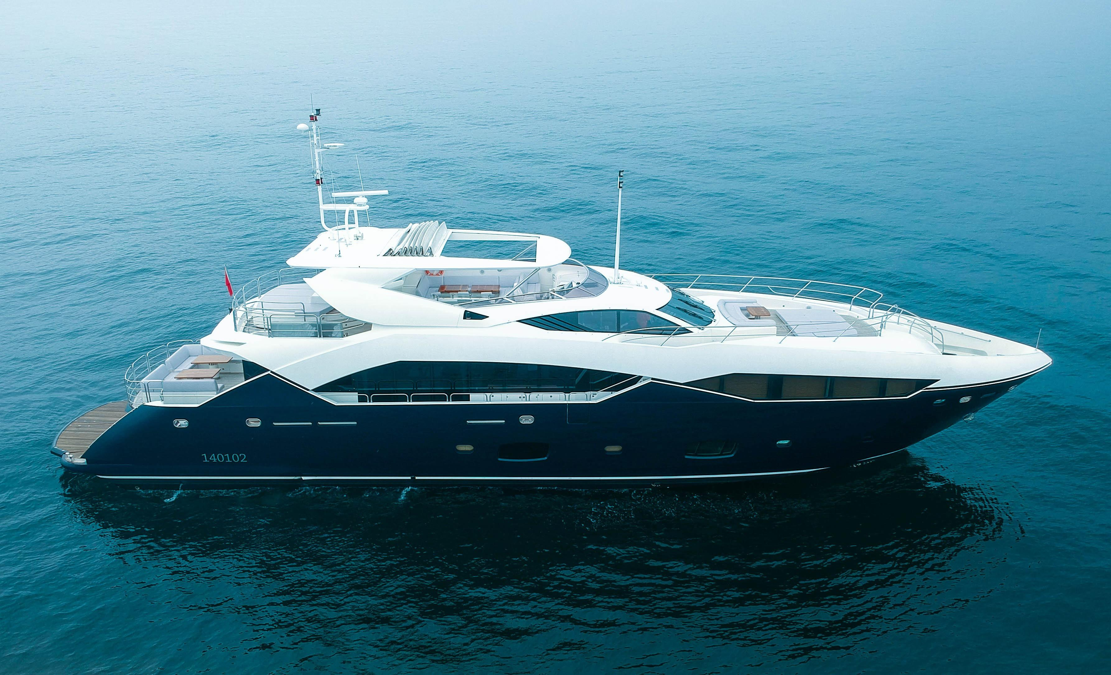 113 25 ft Sunseeker Predator 115 | Executive Yacht Canada