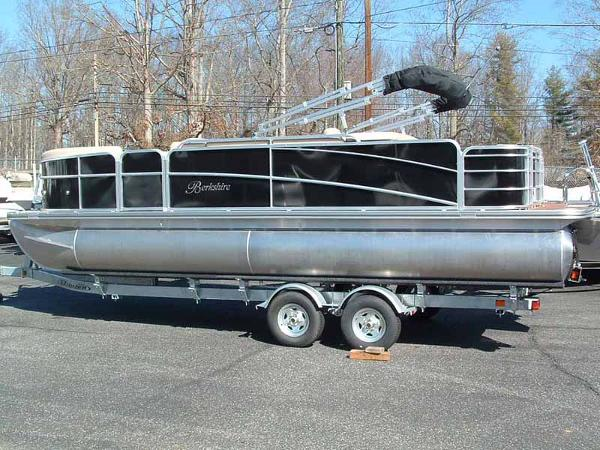 2013 BERKSHIRE PONTOONS 231RFC STS for sale