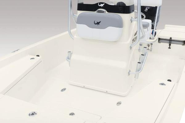 2020 Mako boat for sale, model of the boat is 19 CPX & Image # 35 of 62