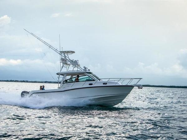 2020 BOSTON WHALER 345 CONQUEST for sale