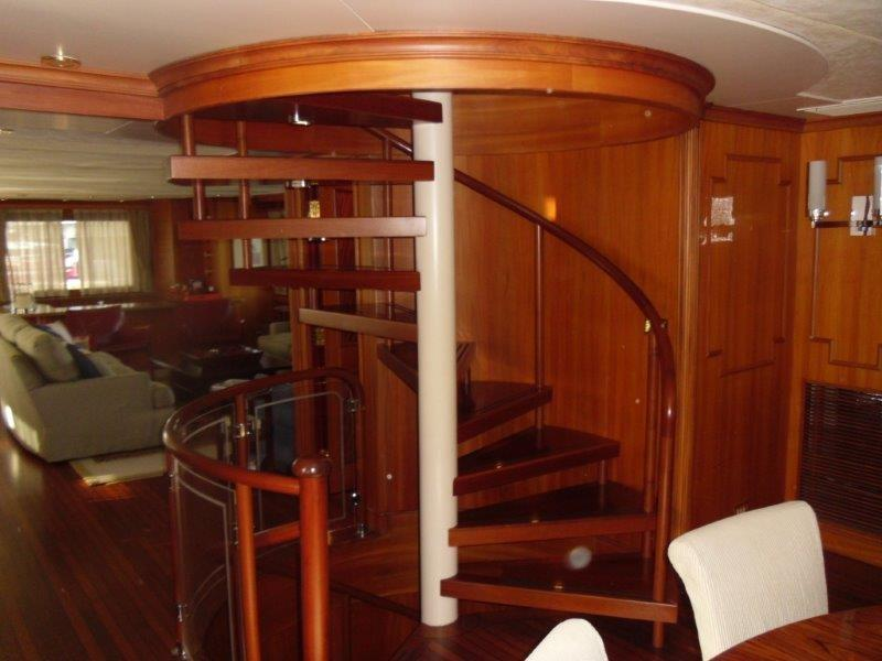 CARACOL STAIR SALON TO CABINS