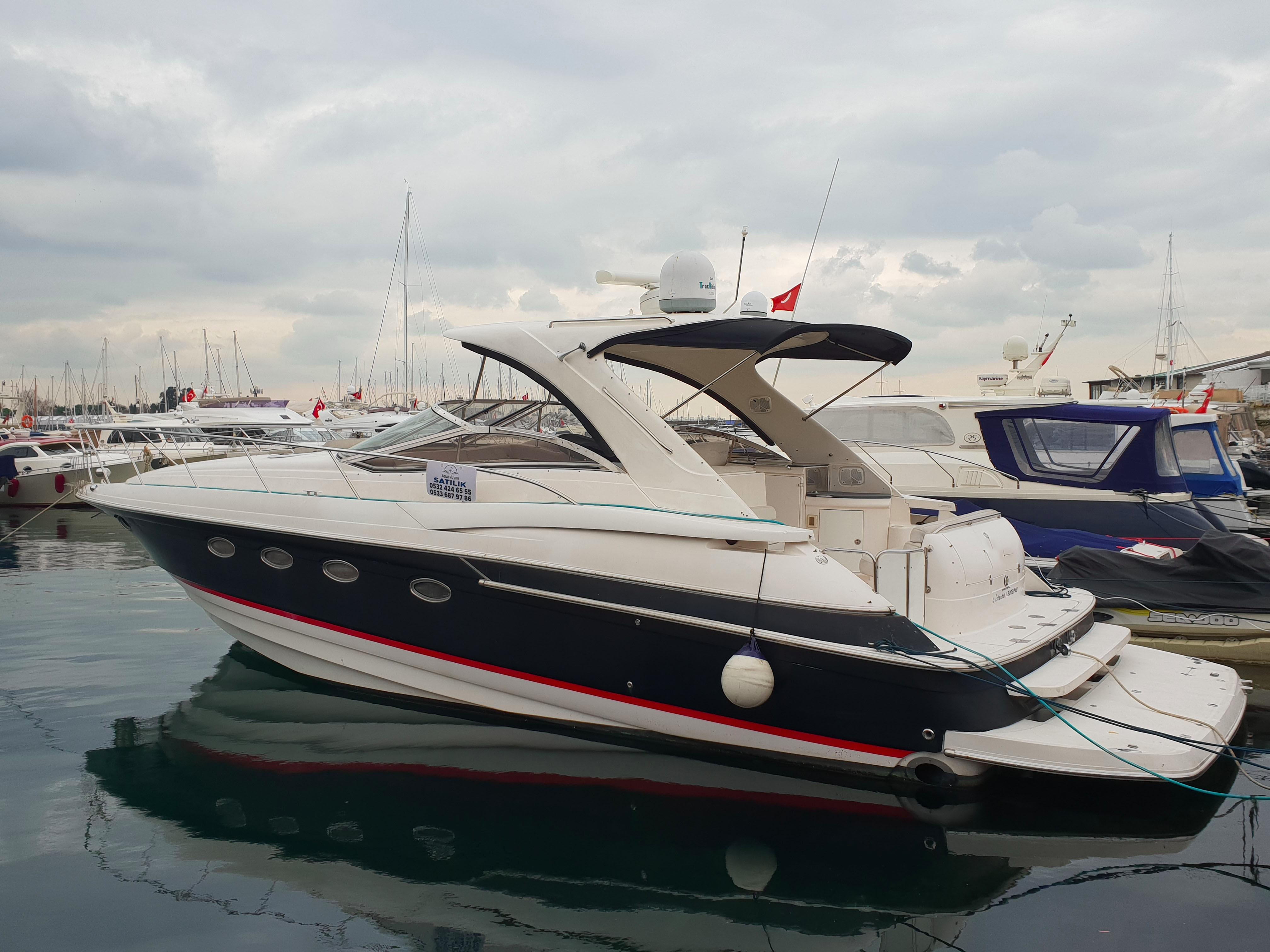 47.9 ft Regal 4260 HT