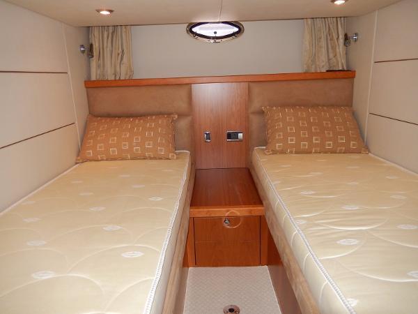 Guest cabin berths